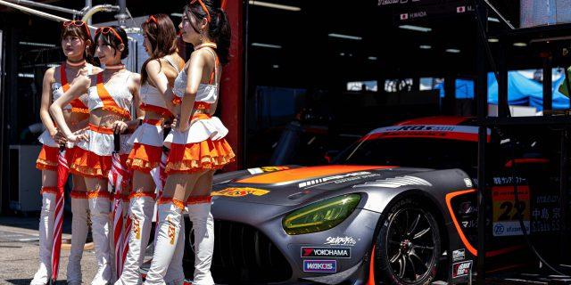 2021R'Qs Racing GIRLs マシン前